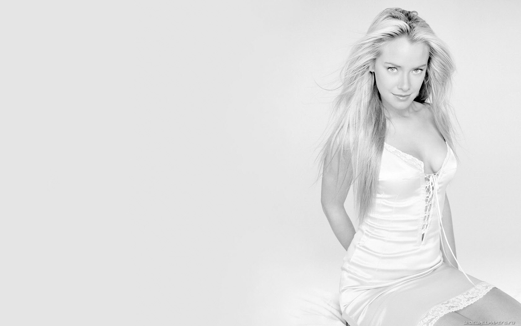 Awesome Kristanna Loken free wallpaper ID:185633 for hd 1680x1050 desktop