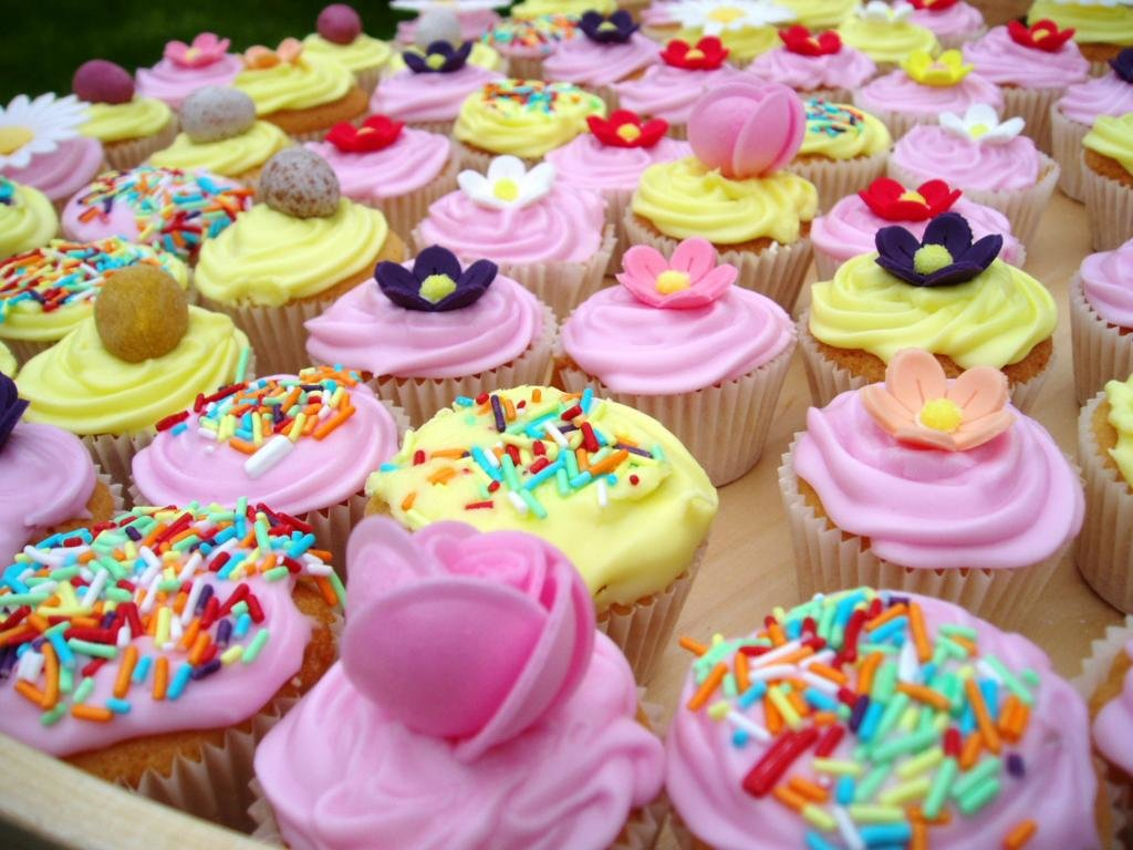 Download hd 1024x768 Cupcake computer wallpaper ID:185762 for free