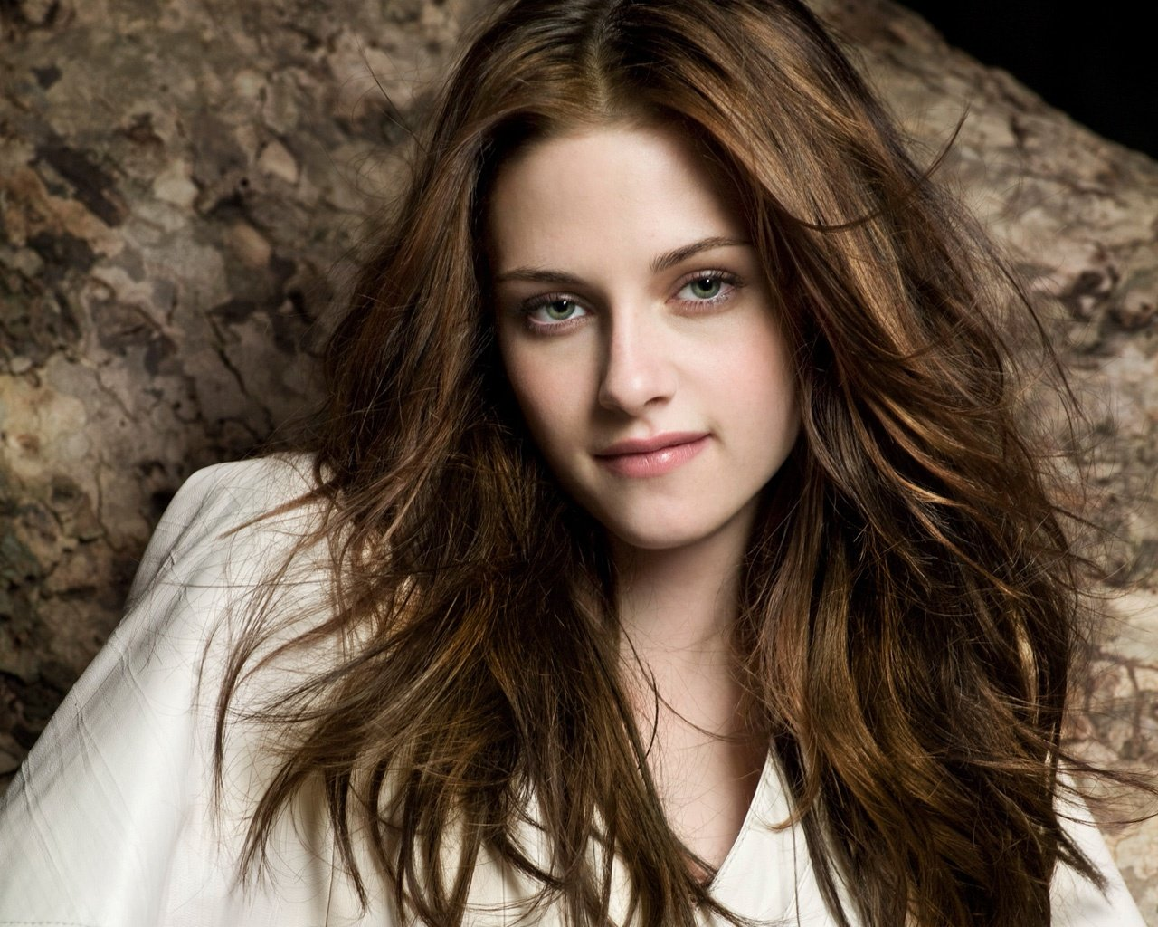 Awesome Kristen Stewart free wallpaper ID:114615 for hd 1280x1024 computer