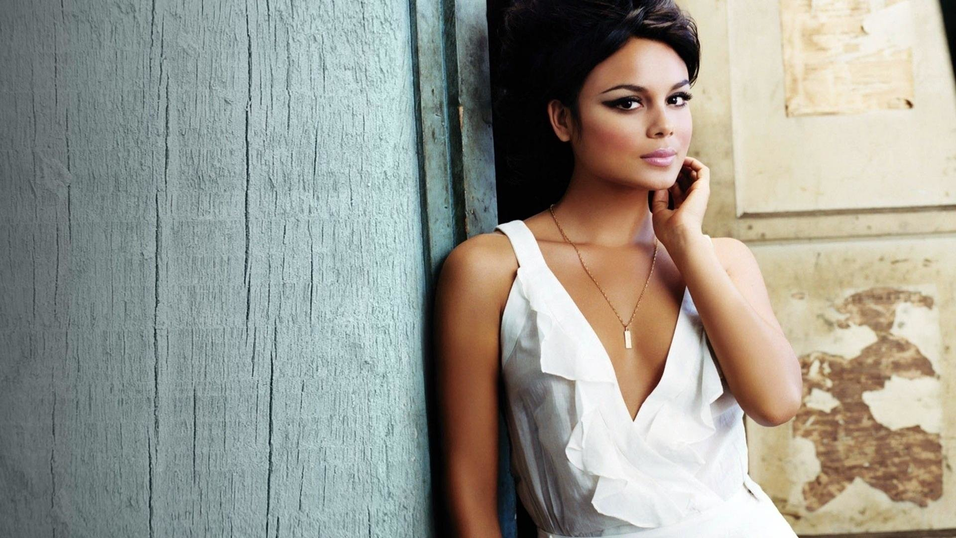 Download full hd 1080p Nathalie Kelley computer background ID:450589 for free