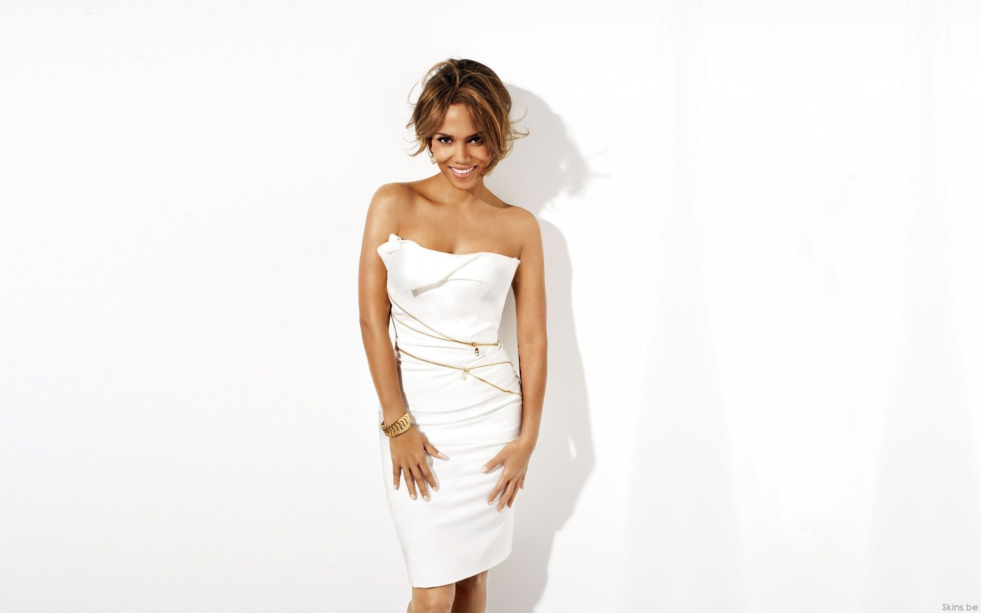 Free Halle Berry high quality wallpaper ID:86705 for hd 1920x1200 desktop