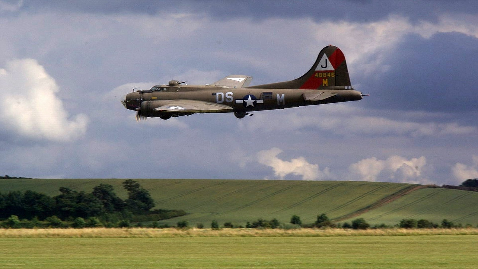 Free Boeing B 17 Flying Fortress High Quality Wallpaper Id 214178