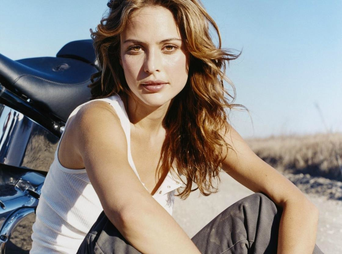High resolution Josie Maran hd 1120x832 wallpaper ID:421694 for desktop