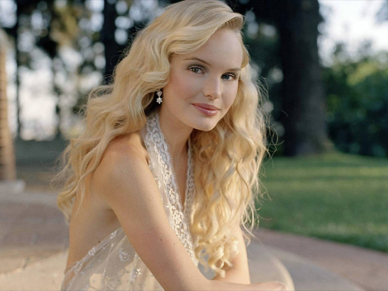 High resolution Kate Bosworth hd 1600x1200 wallpaper ID:130368 for desktop