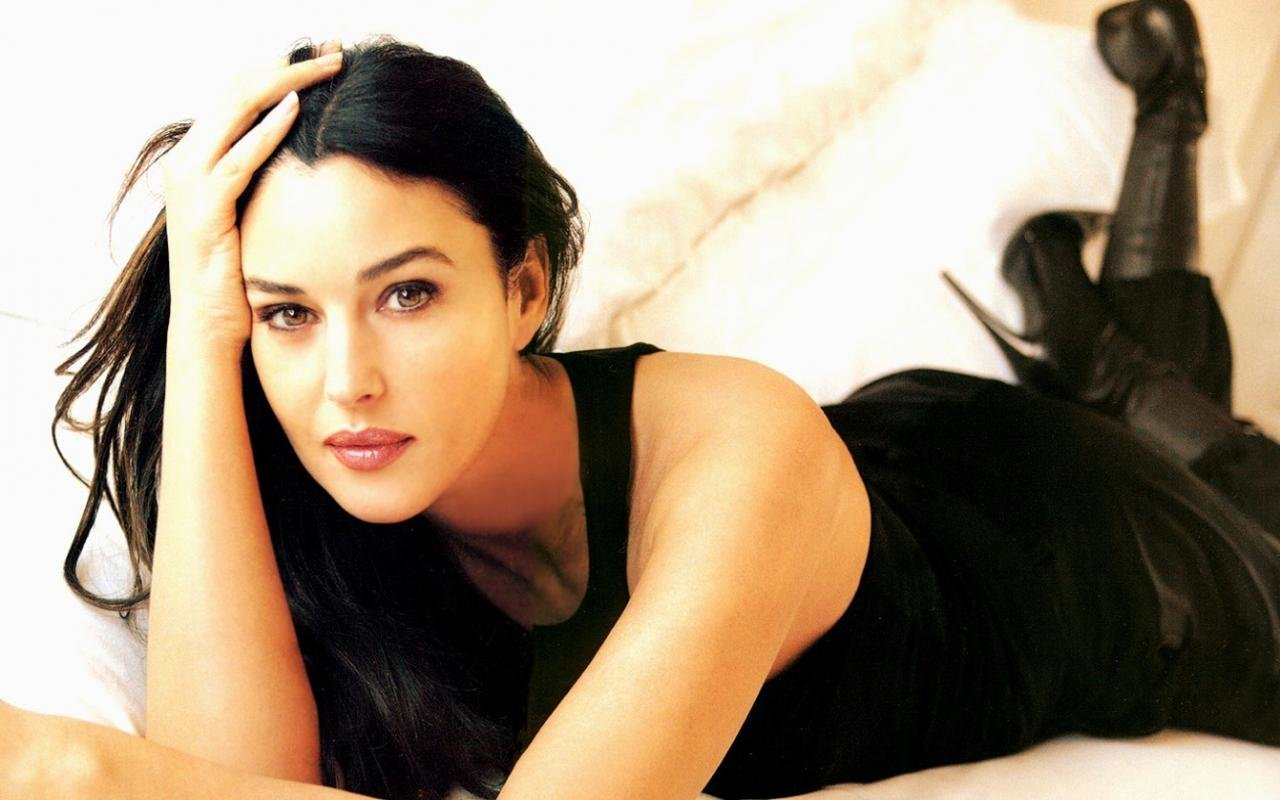 Download hd 1280x800 Monica Bellucci computer wallpaper ID:269661 for free