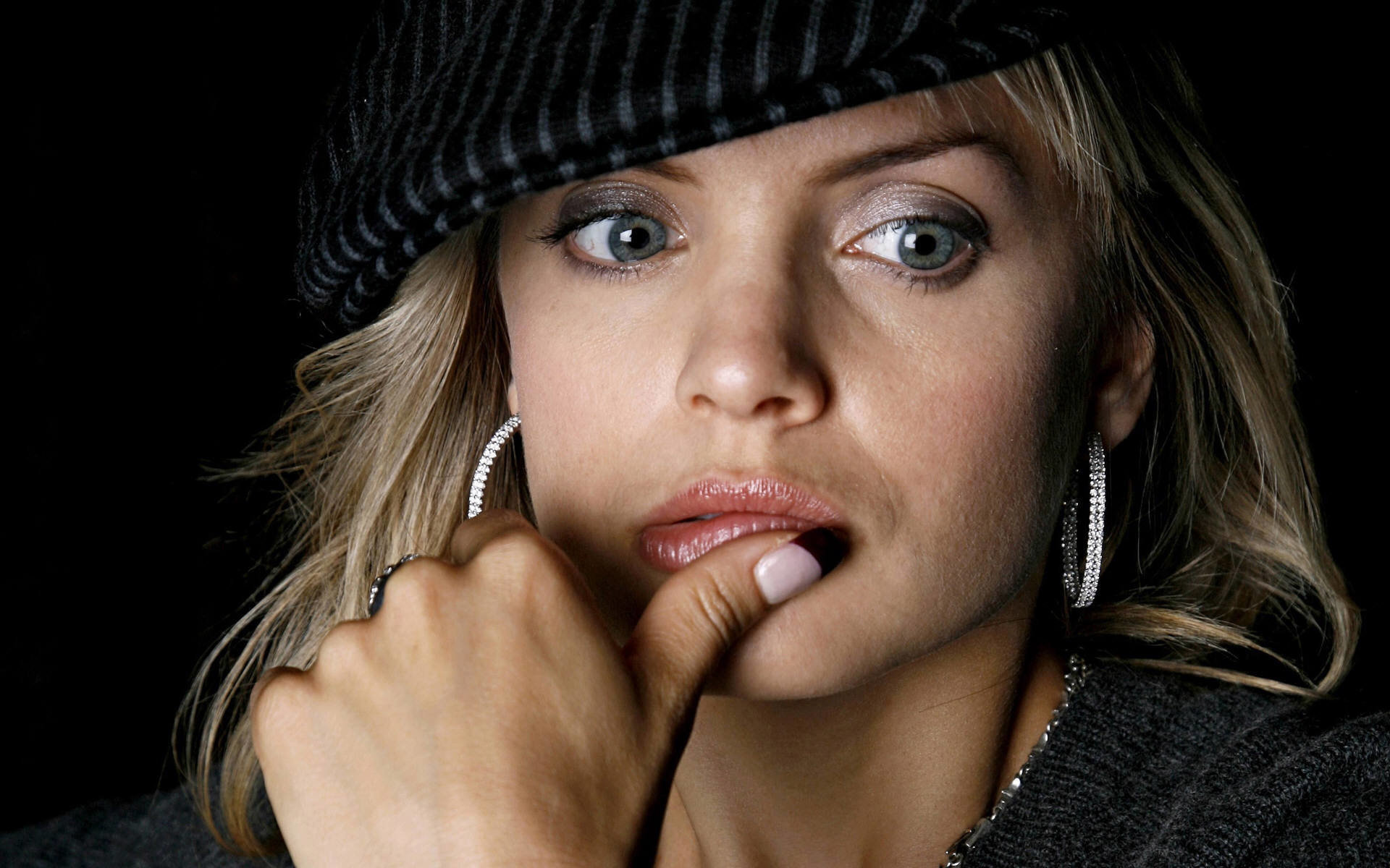 Free Mena Suvari high quality wallpaper ID:445568 for hd 1920x1200 desktop