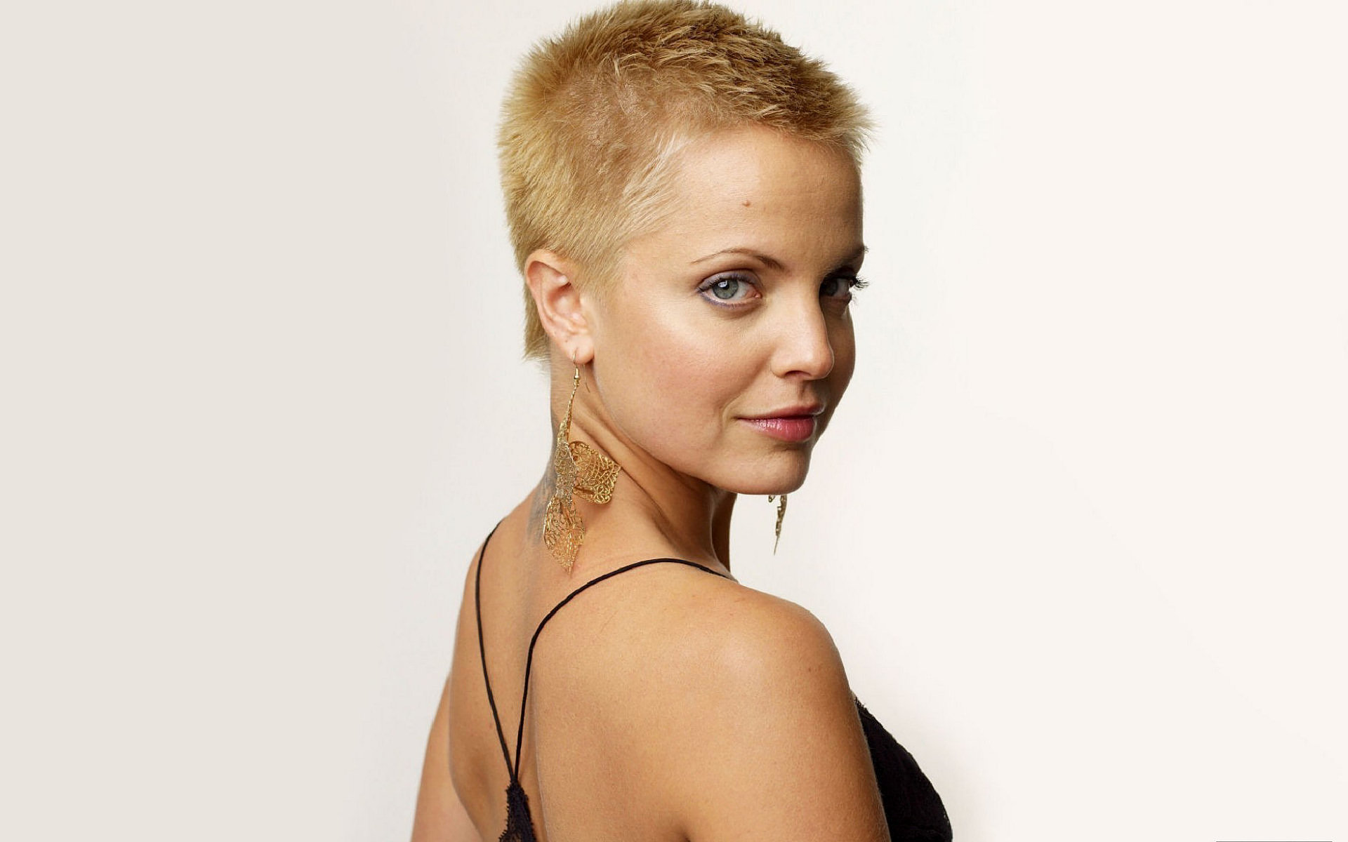 Free Mena Suvari high quality wallpaper ID:445569 for hd 1920x1200 computer
