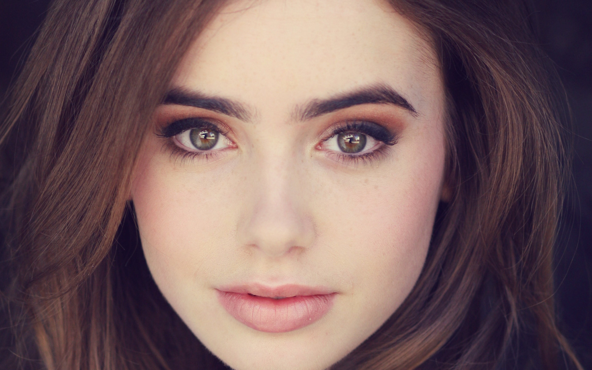Download hd 1920x1200 Lily Collins PC wallpaper ID:410710 for free