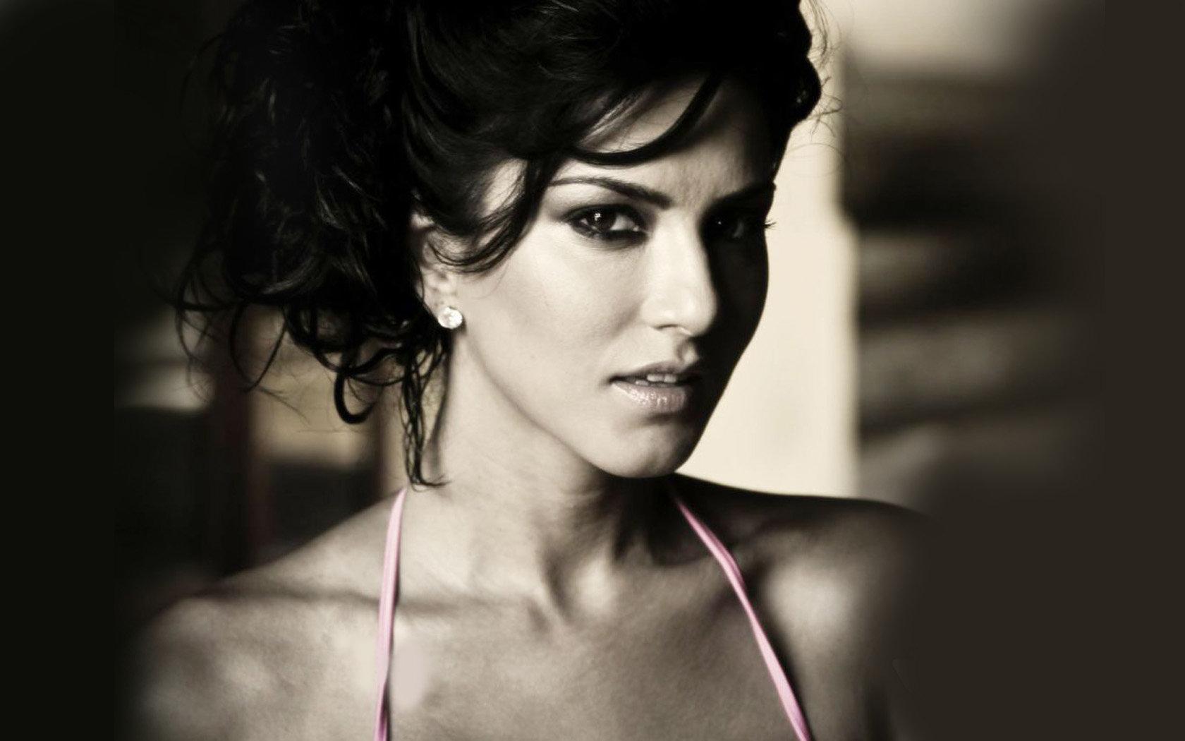 Фото санни леон, Sunny Leone - все эротические фото модели 28 фотография