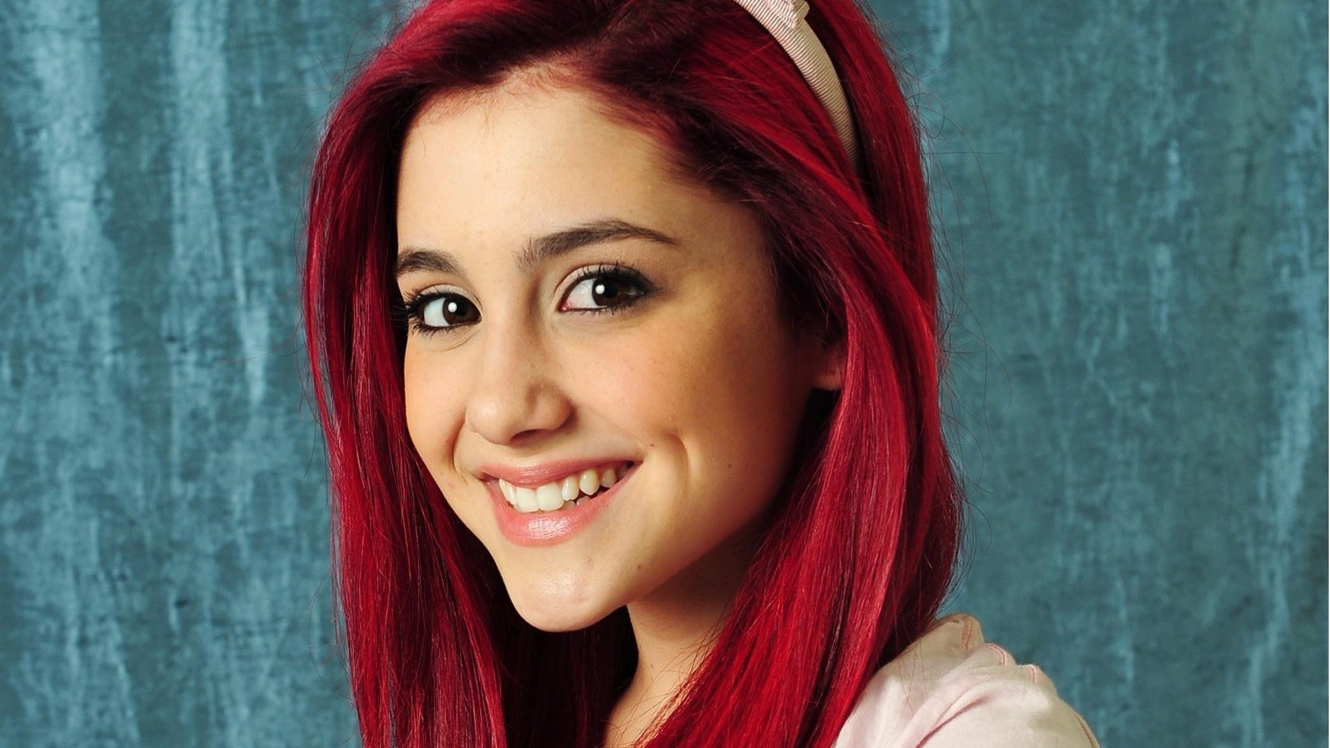 Awesome Ariana Grande free wallpaper ID:132238 for 1080p desktop