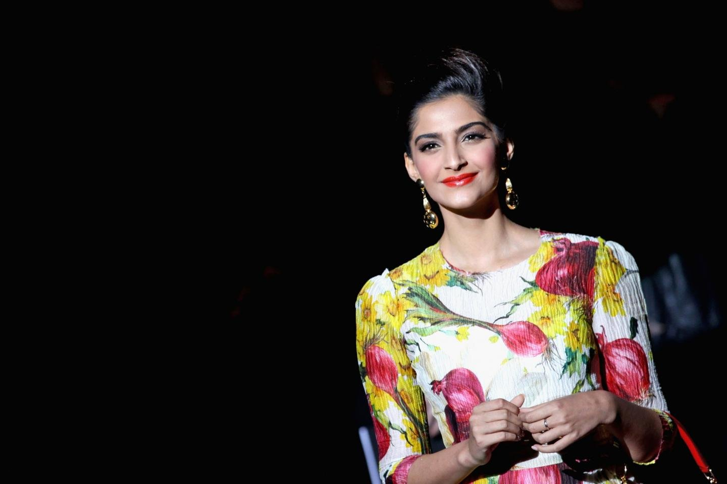 Free download Sonam Kapoor background ID:429951 hd 1440x960 for desktop