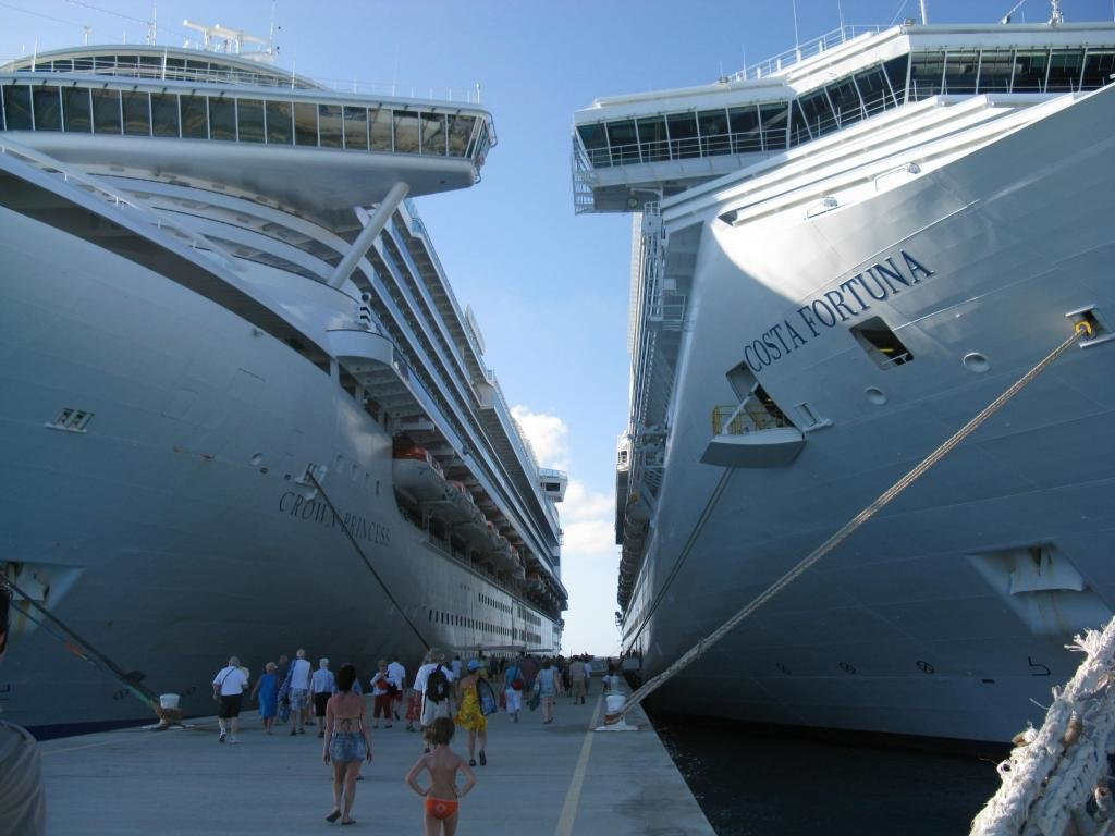Download Hd 1024x768 Cruise Ship Desktop Wallpaper Id 493478 For Free