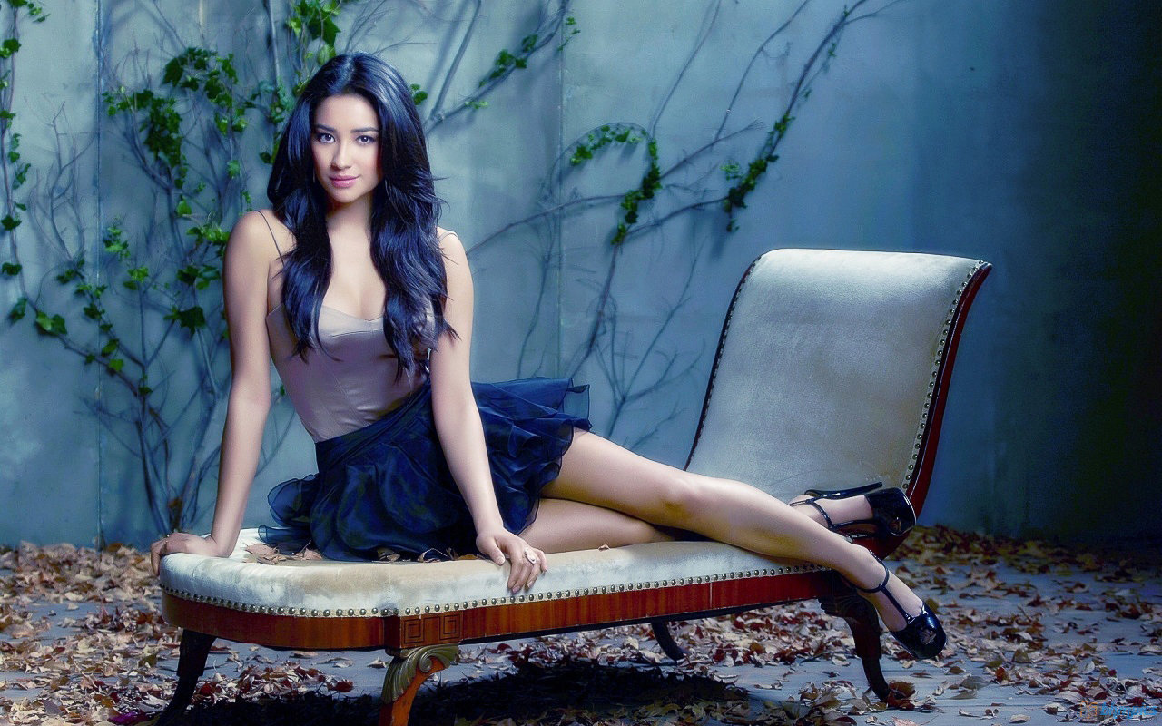 High resolution Shay Mitchell hd 1280x800 wallpaper ID:259097 for computer