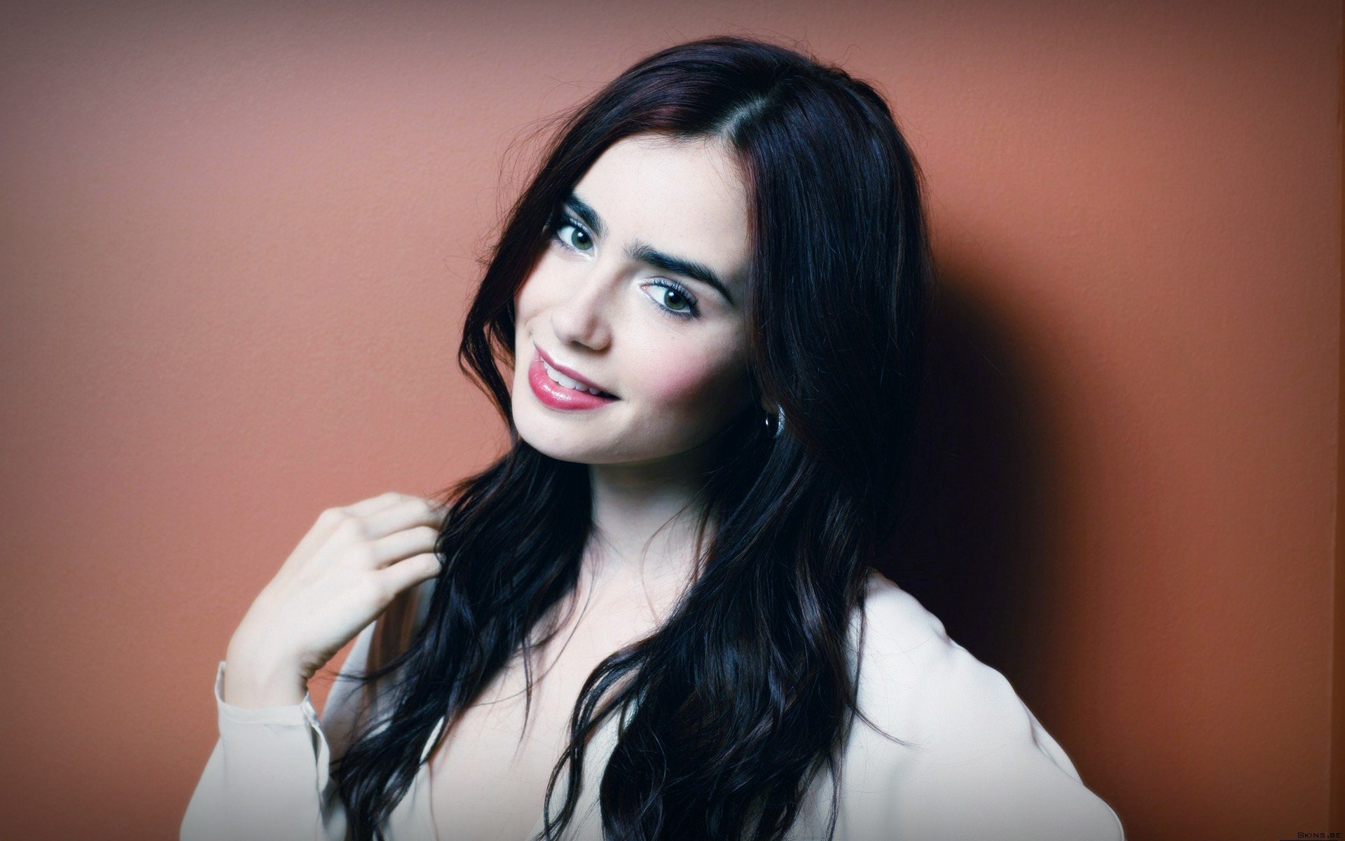 Download hd 1920x1200 Lily Collins computer background ID:410709 for free