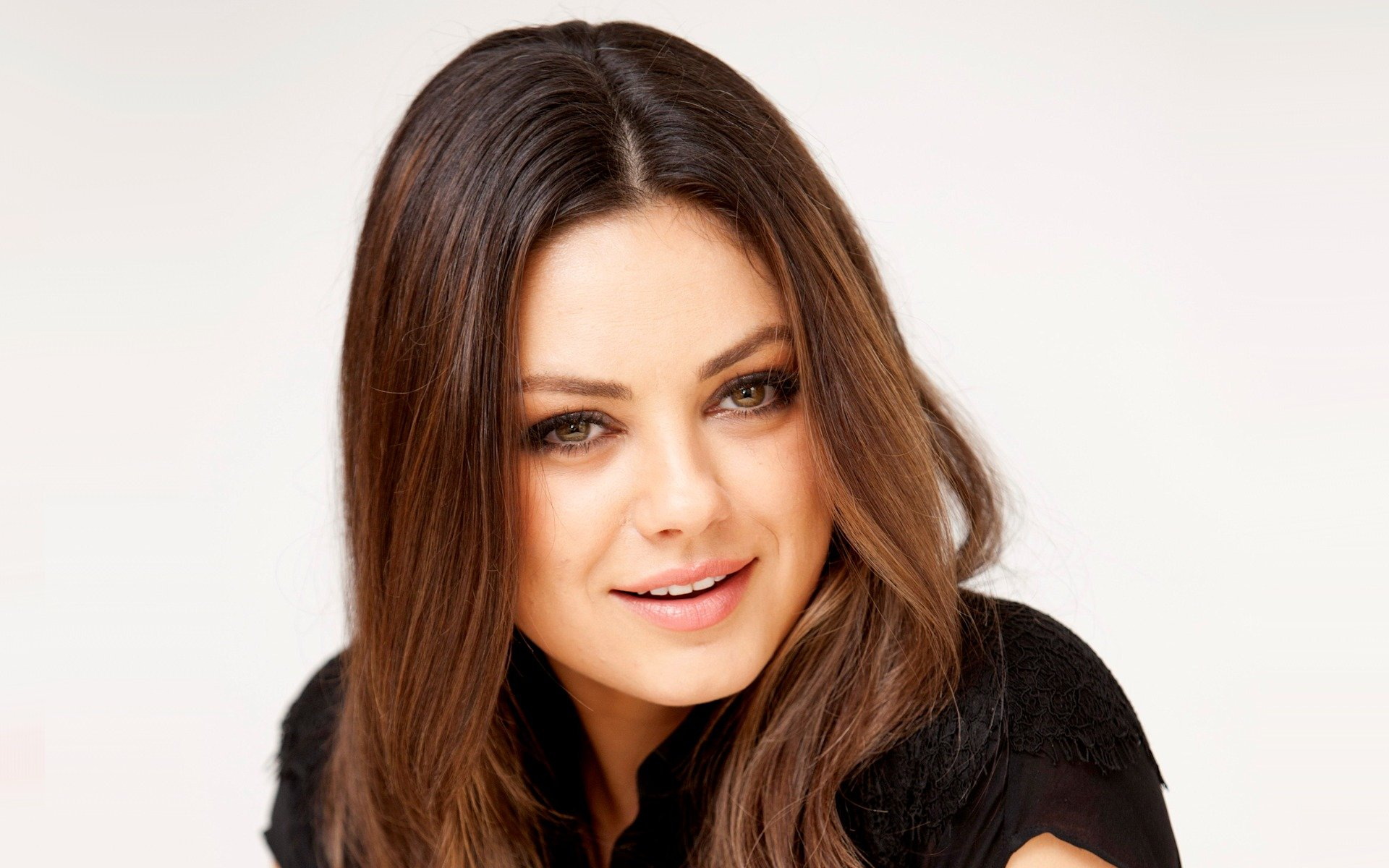 Free download Mila Kunis background ID:291516 hd 1920x1200 for desktop