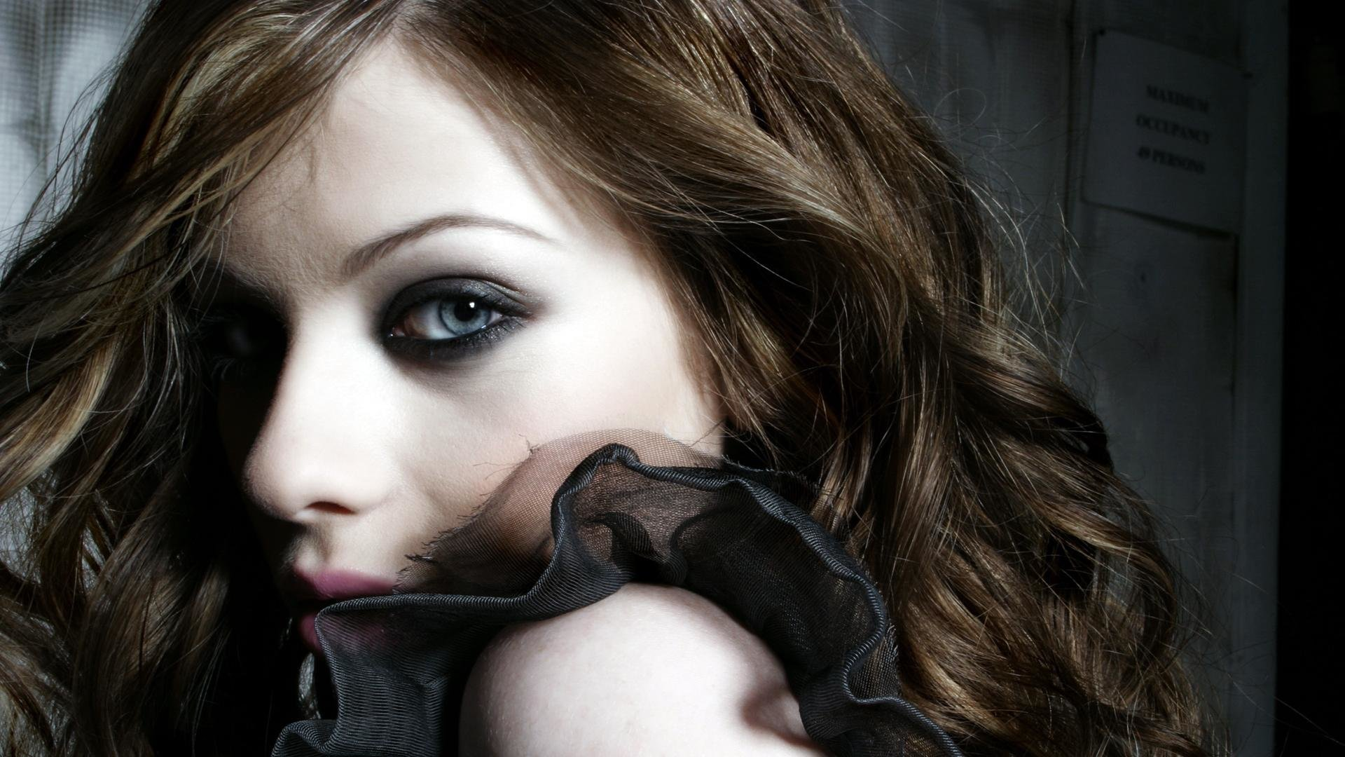 Awesome Michelle Trachtenberg free wallpaper ID:353029 for full hd 1920x1080 desktop