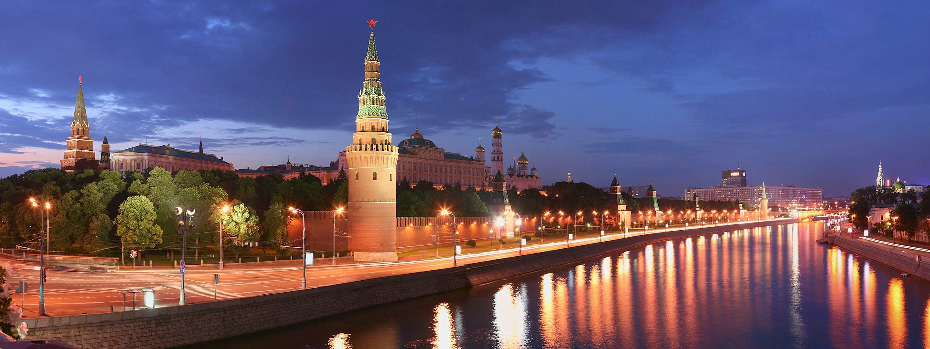 Awesome Moscow free wallpaper ID:493830 for dual screen 3200x1200 desktop