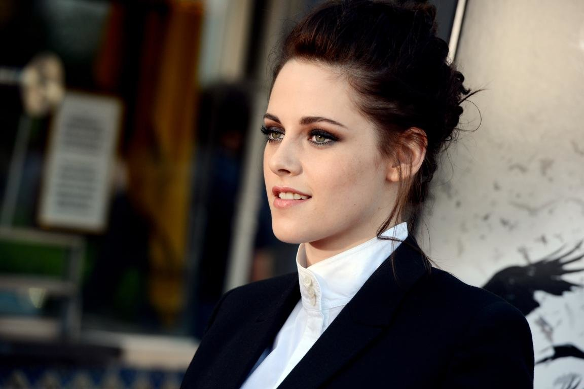 Awesome Kristen Stewart free background ID:114616 for hd 1152x768 desktop