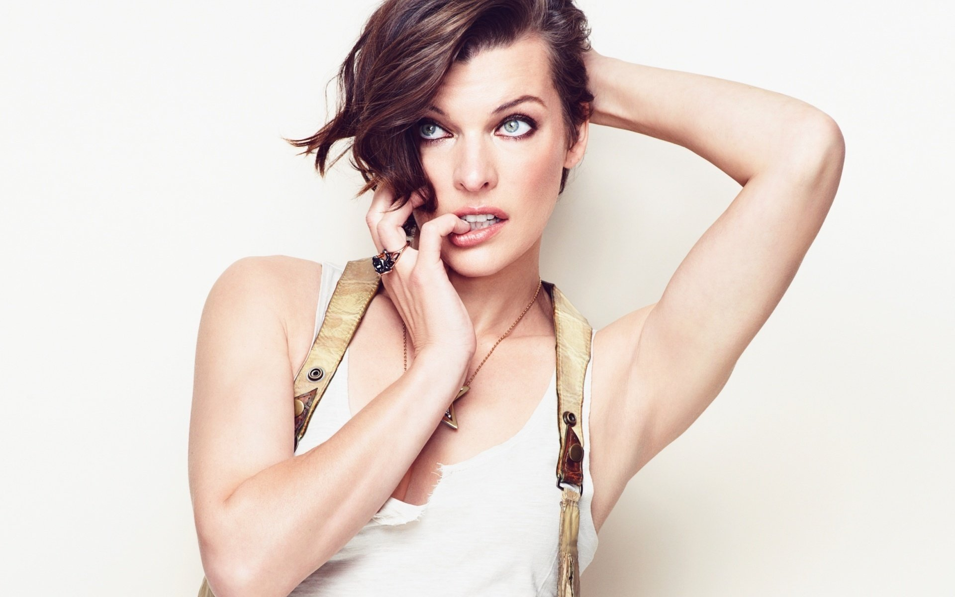 Download hd 1920x1200 Milla Jovovich desktop background ID:270657 for free
