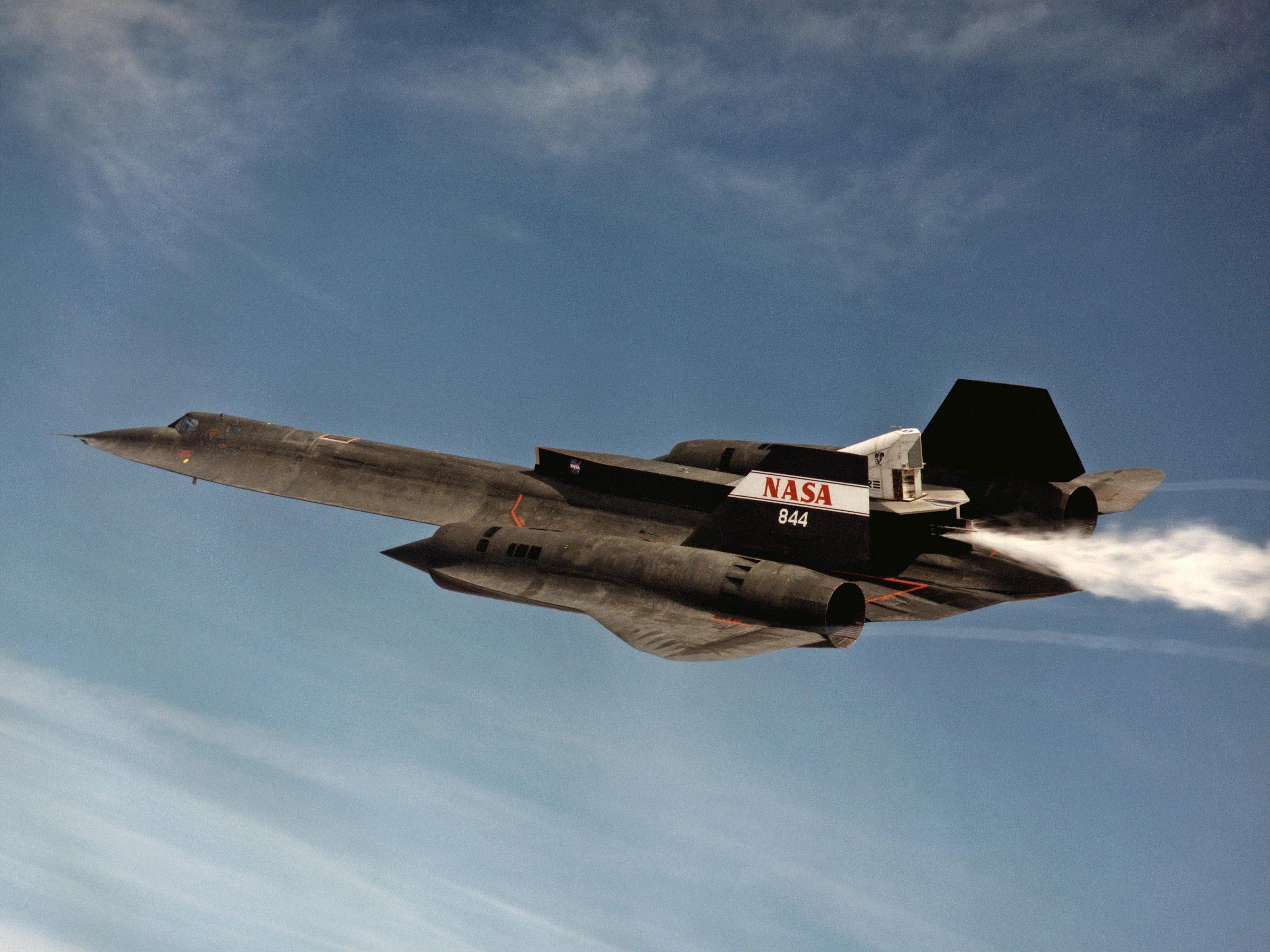 Awesome Lockheed Sr 71 Blackbird Free Wallpaper Id96962 For