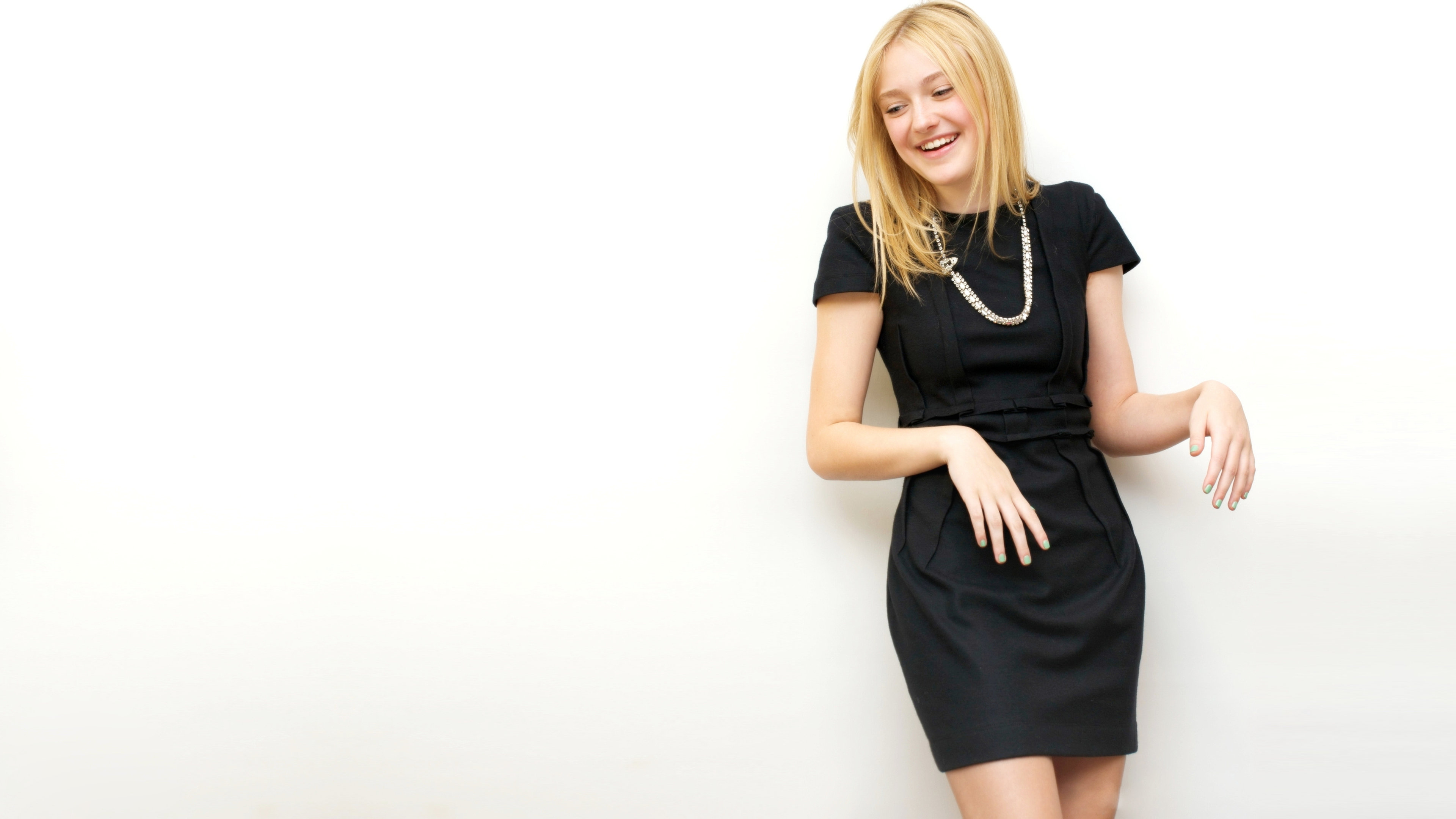 Free Dakota Fanning high quality wallpaper ID:144253 for uhd 4k computer