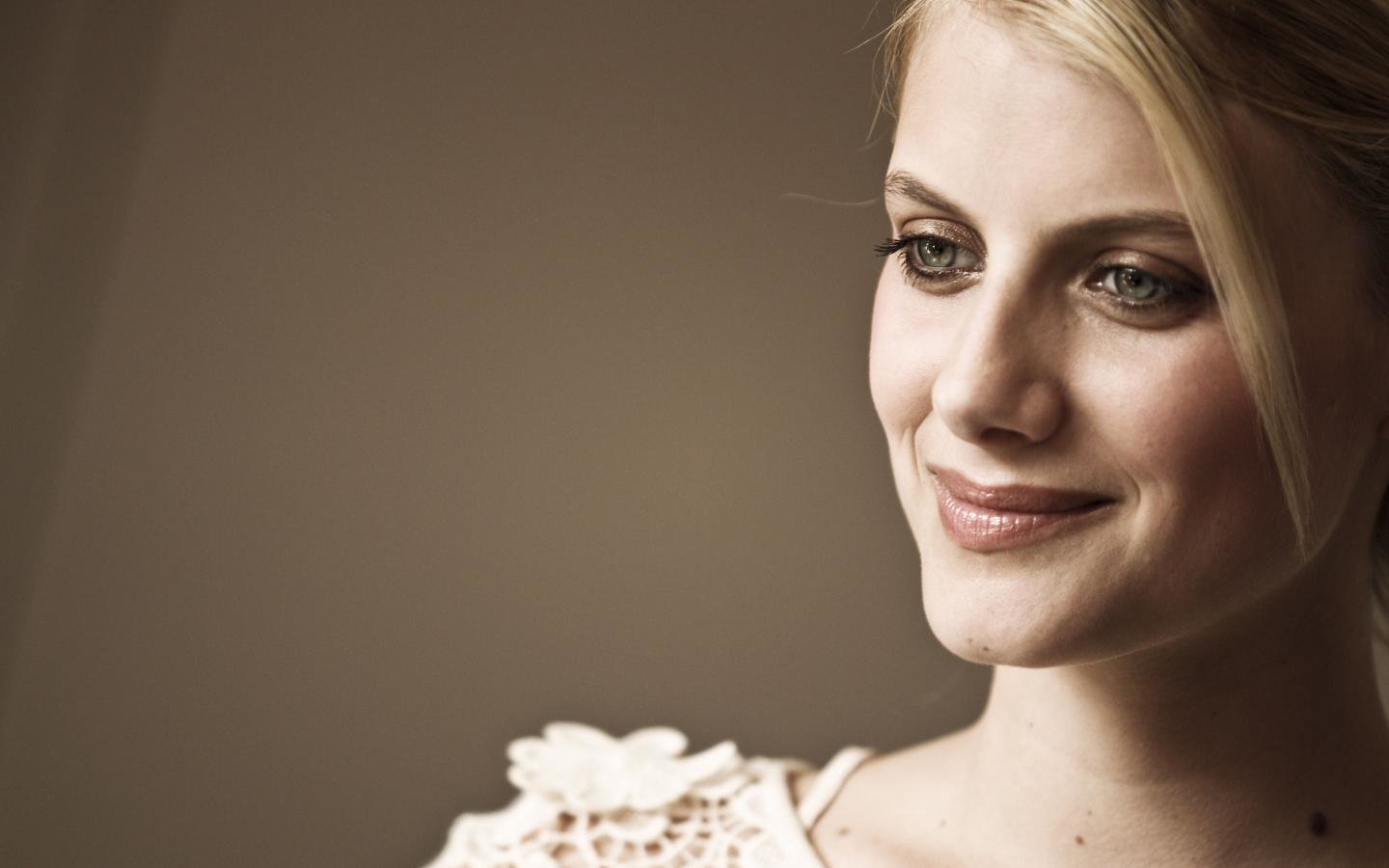 Best Melanie Laurent background ID:72682 for High Resolution hd 1440x900 PC