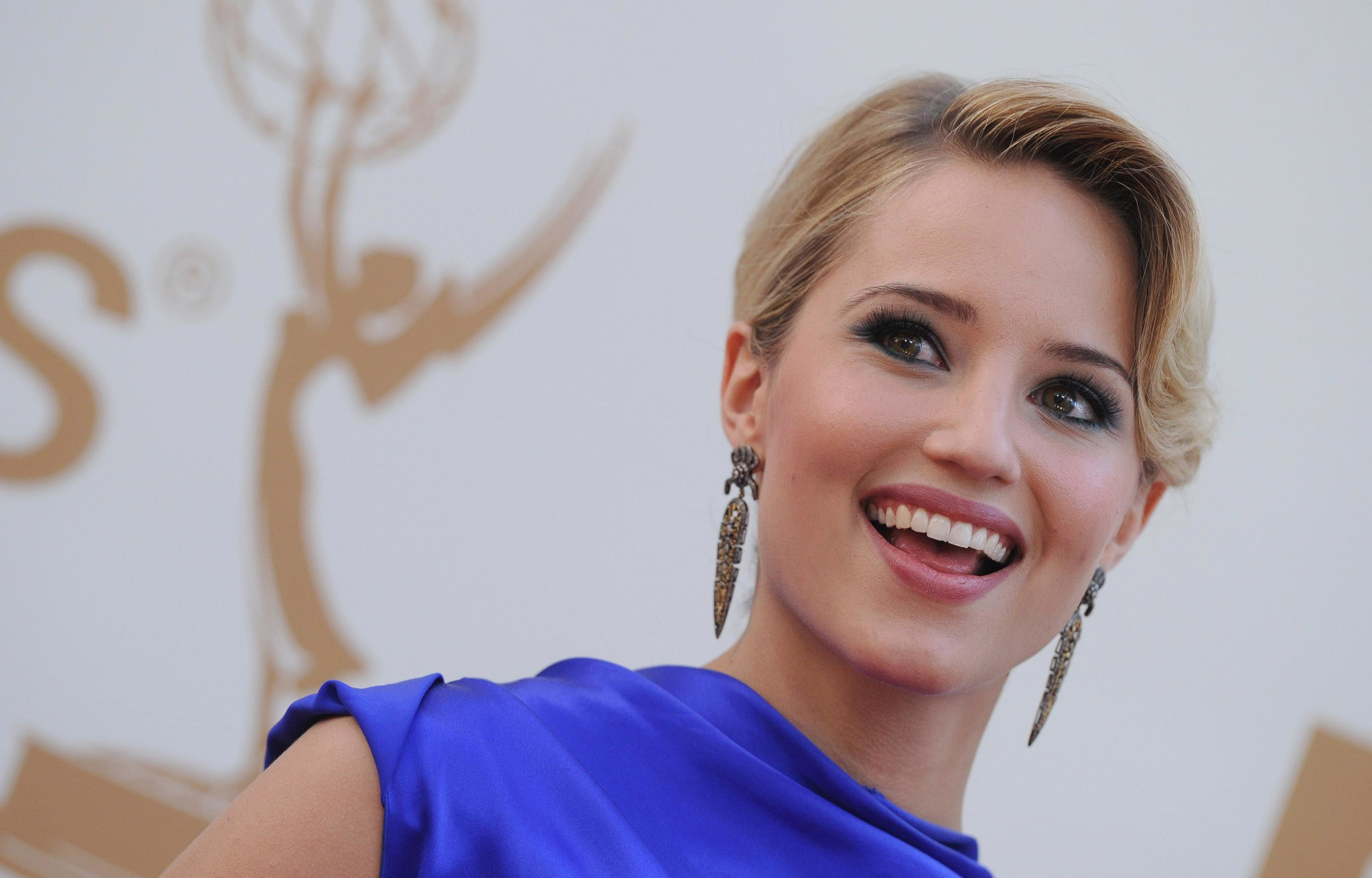 Download hd 3200x2048 Dianna Agron desktop wallpaper ID:30046 for free