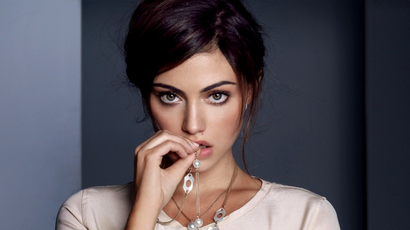 Best Phoebe Tonkin background ID:318616 for High Resolution hd 1366x768 computer