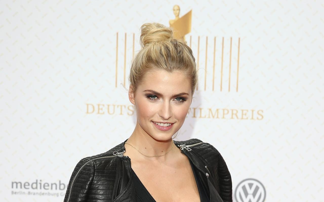 Free download Lena Gercke background ID:465971 hd 1280x800 for PC