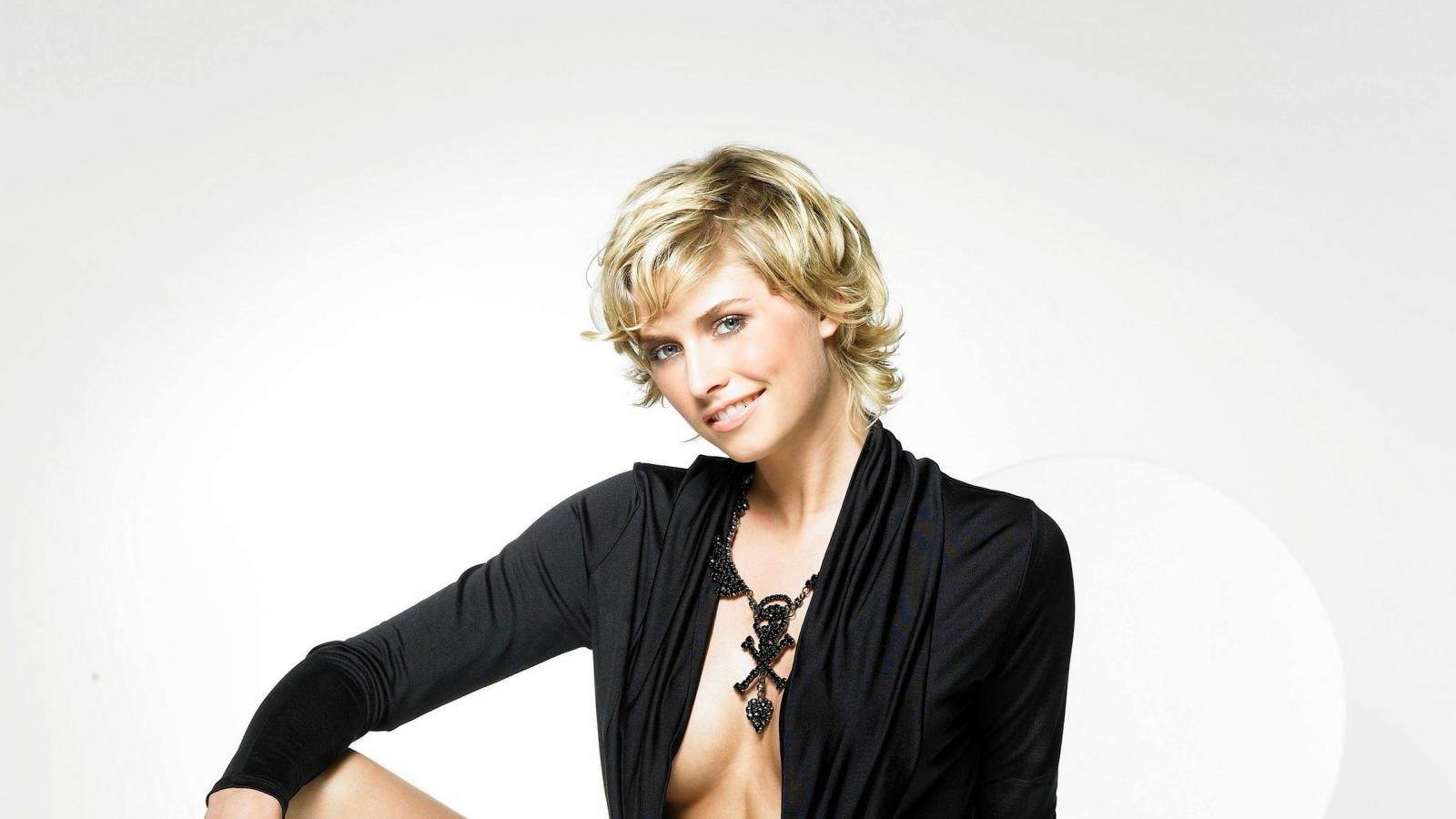 Best Lena Gercke background ID:465998 for High Resolution hd 1600x900 computer
