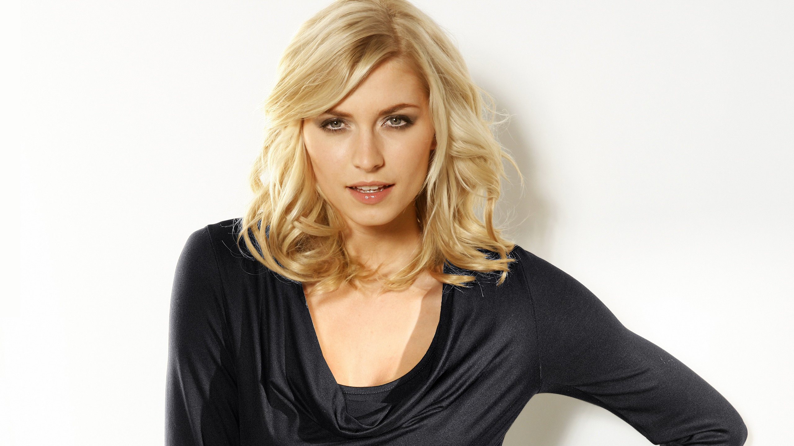 Download hd 2560x1440 Lena Gercke PC wallpaper ID:465999 for free