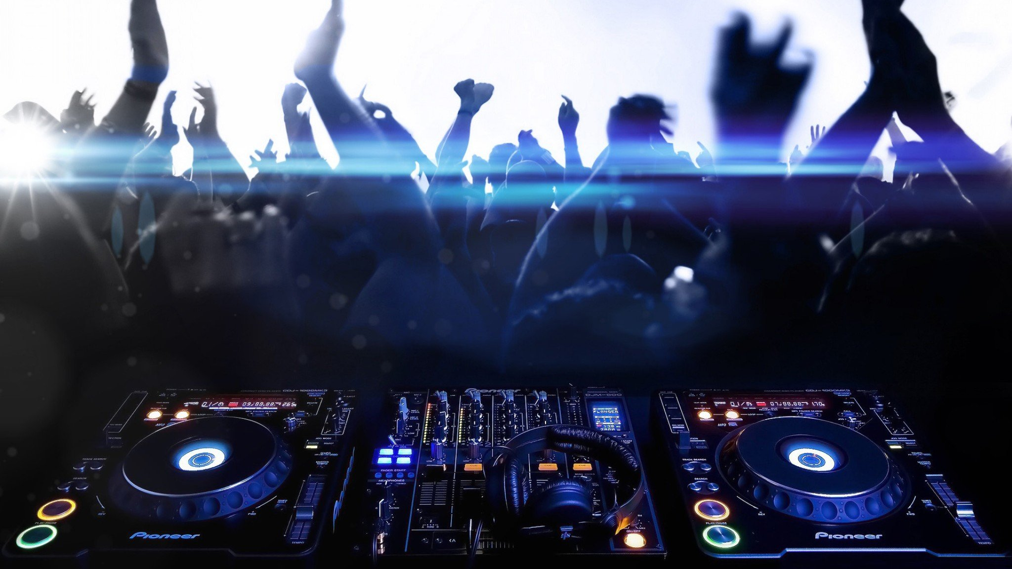 Awesome DJ free wallpaper ID:433420 for hd 2048x1152 PC