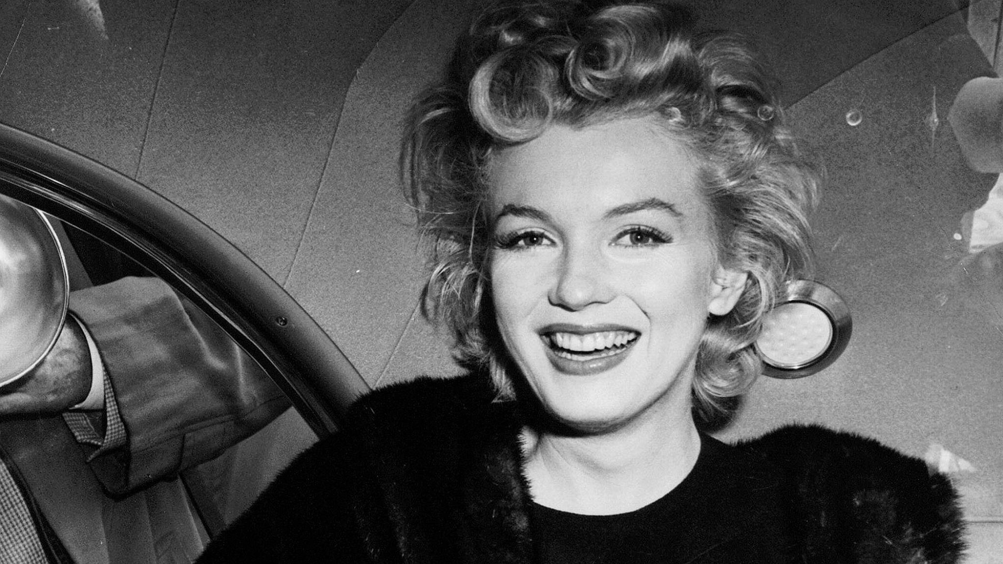 High Resolution Marilyn Monroe Hd 2048x1152 Wallpaper Id 119475
