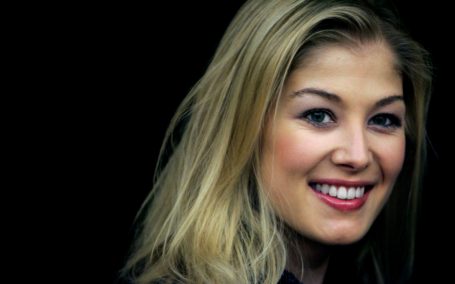 Download hd 1920x1200 Rosamund Pike desktop wallpaper ID:378961 for free