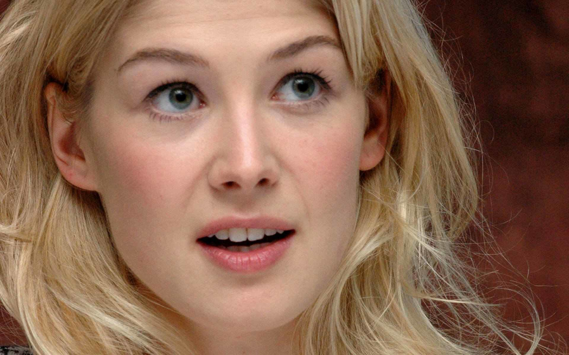 Free download Rosamund Pike wallpaper ID:378962 hd 1920x1200 for computer
