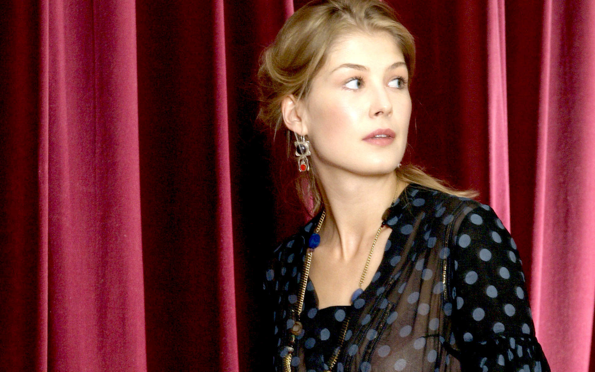 High resolution Rosamund Pike hd 1920x1200 wallpaper ID:378967 for PC