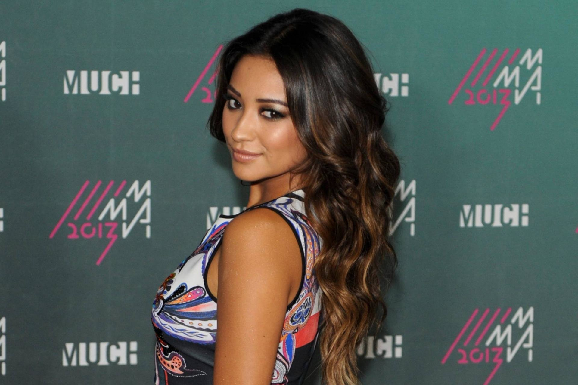 High resolution Shay Mitchell hd 1920x1280 wallpaper ID:259101 for PC