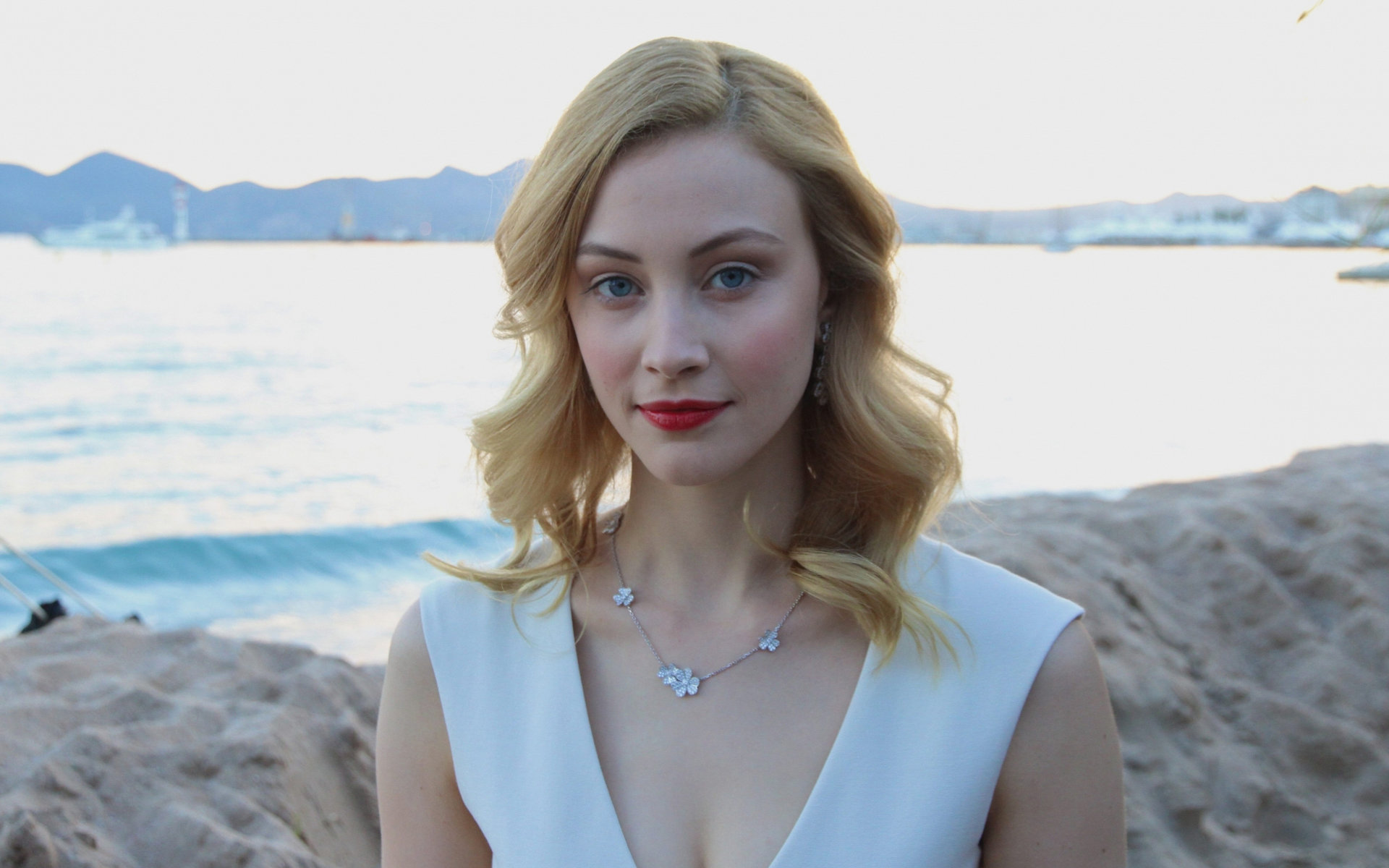 Free Sarah Gadon high quality wallpaper ID:320208 for hd 1920x1200 PC