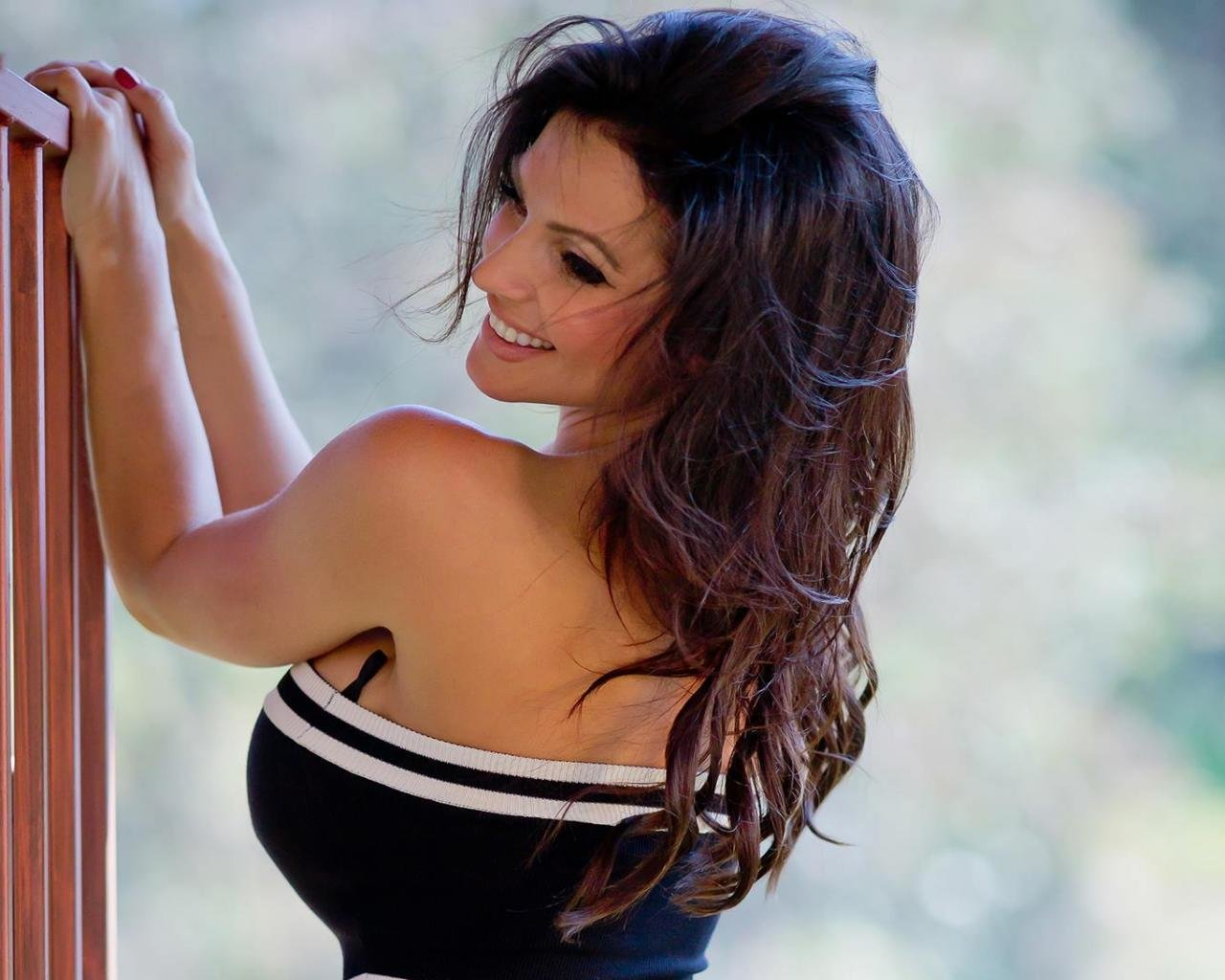 Best Denise Milani background ID:69815 for High Resolution hd 1280x1024 desktop