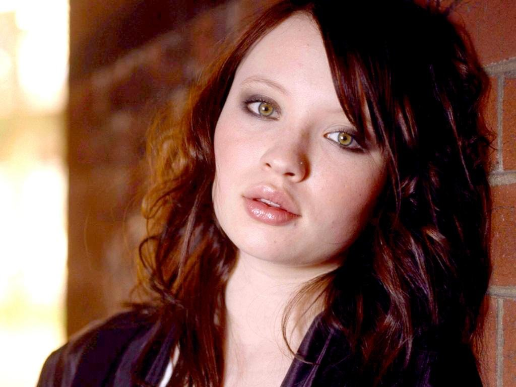 download hd 1024x768 emily browning pc wallpaper id:294429 for free