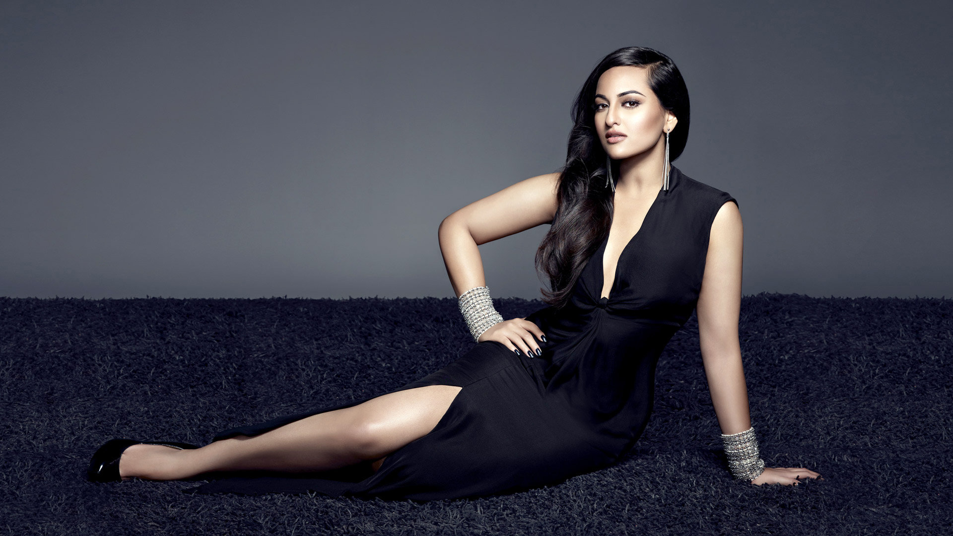 Awesome Sonakshi Sinha free wallpaper ID:375397 for 1080p computer