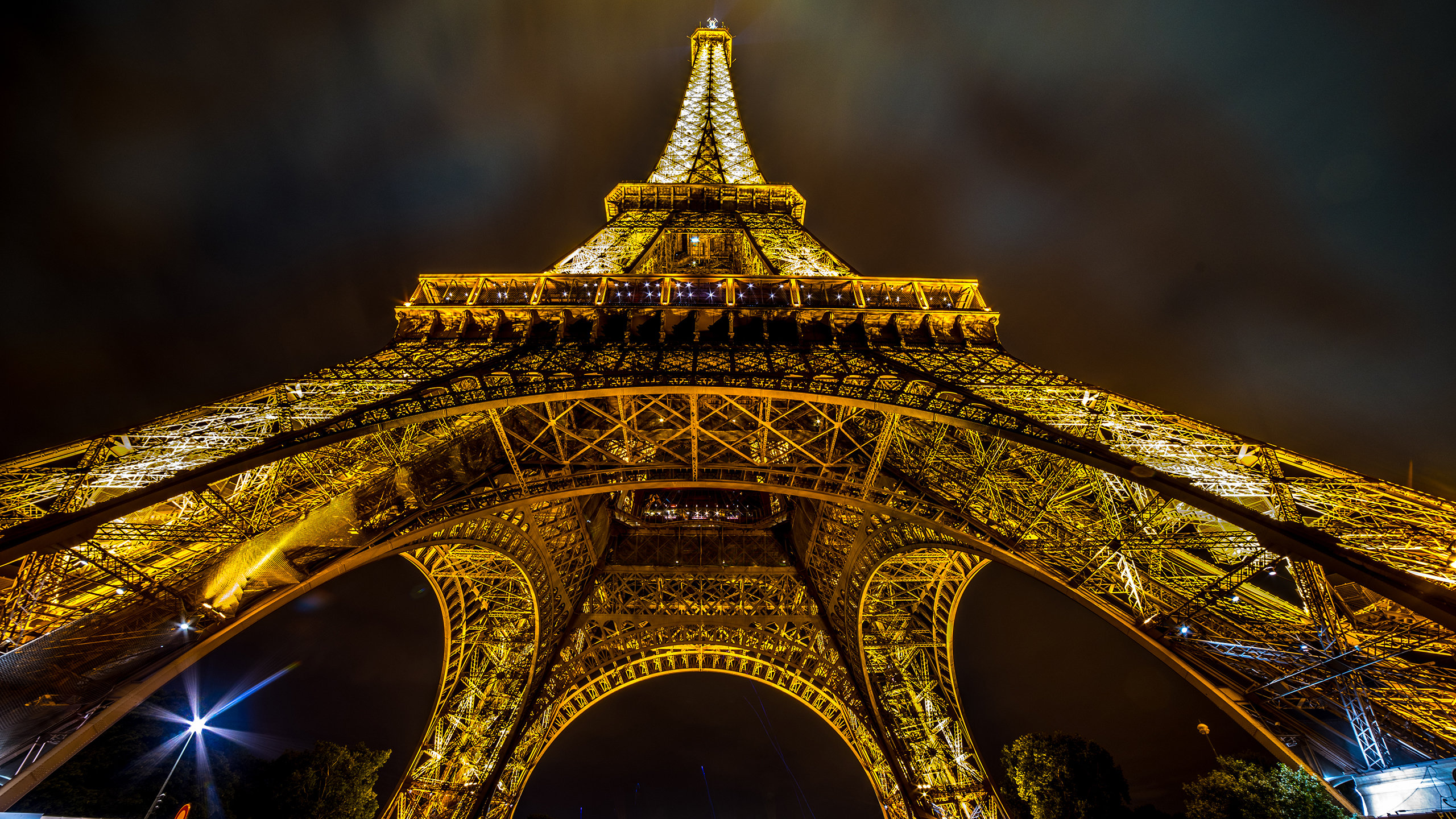 Eiffel Tower Wallpapers 2560x1440 Desktop Backgrounds