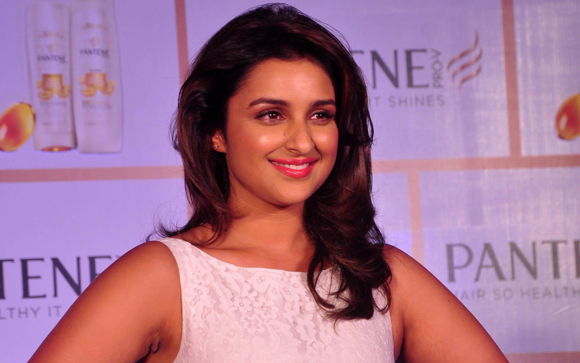 Free Parineeti Chopra high quality background ID:283859 for hd 1920x1200 computer