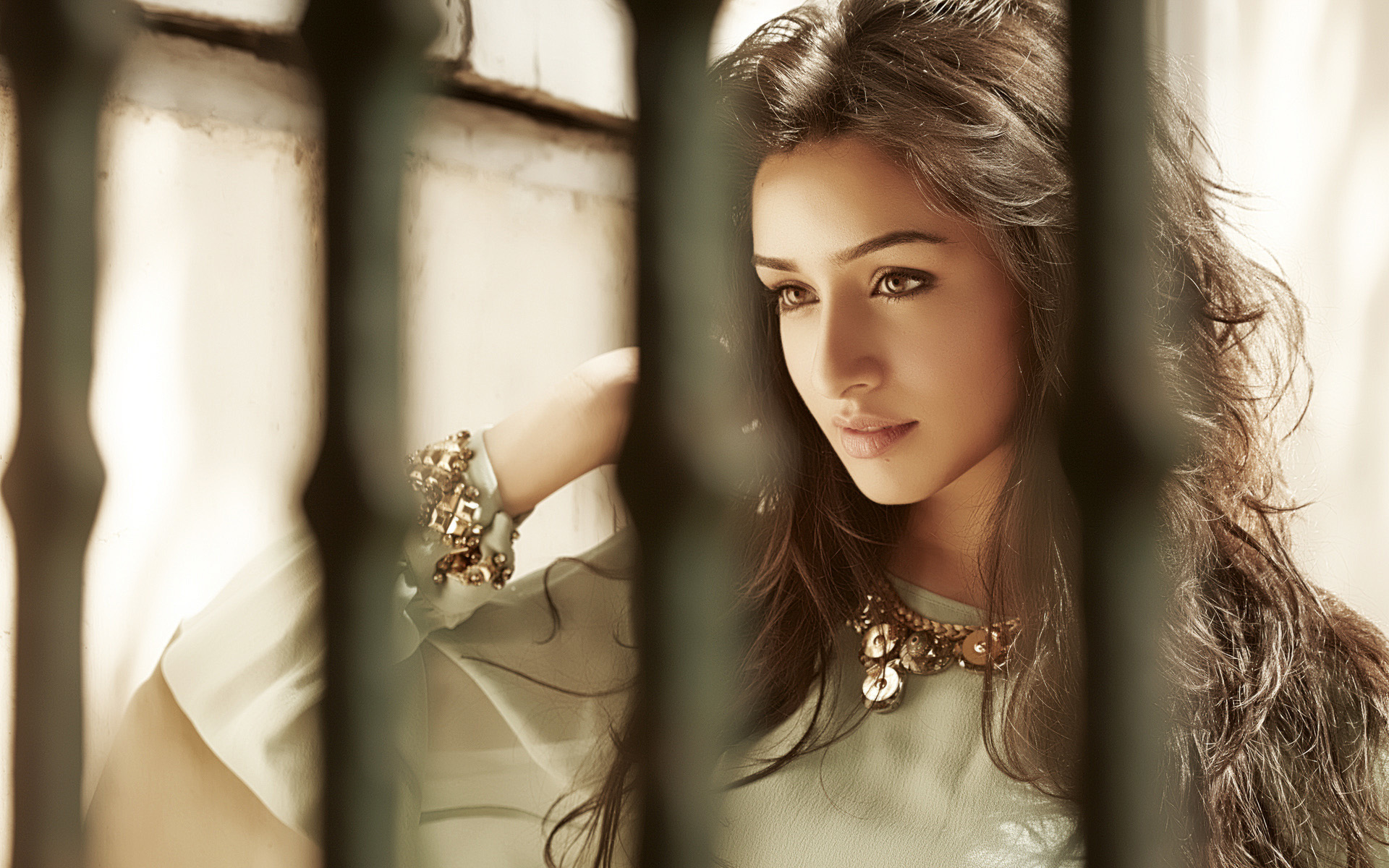 Awesome Shraddha Kapoor free wallpaper ID:397549 for hd 1920x1200 desktop