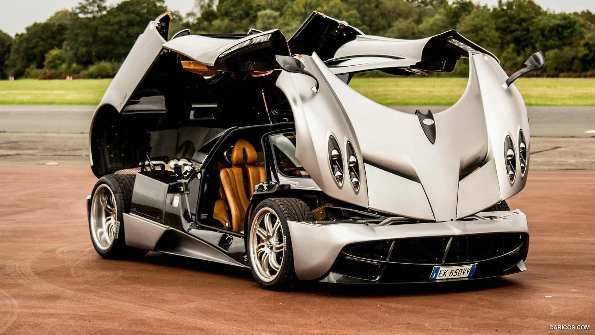 Awesome Pagani Huayra Free Background ID:160159 For Full Hd 1920x1080  Desktop