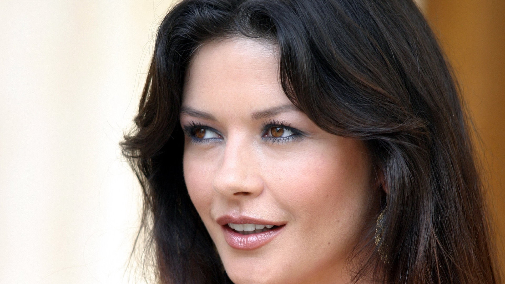 Download full hd 1920x1080 Catherine Zeta-Jones computer wallpaper ID:54651 for free