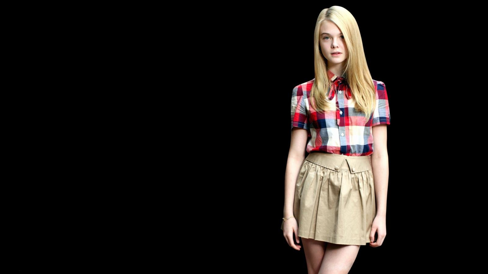 High resolution Elle Fanning hd 1600x900 wallpaper ID:450841 for computer