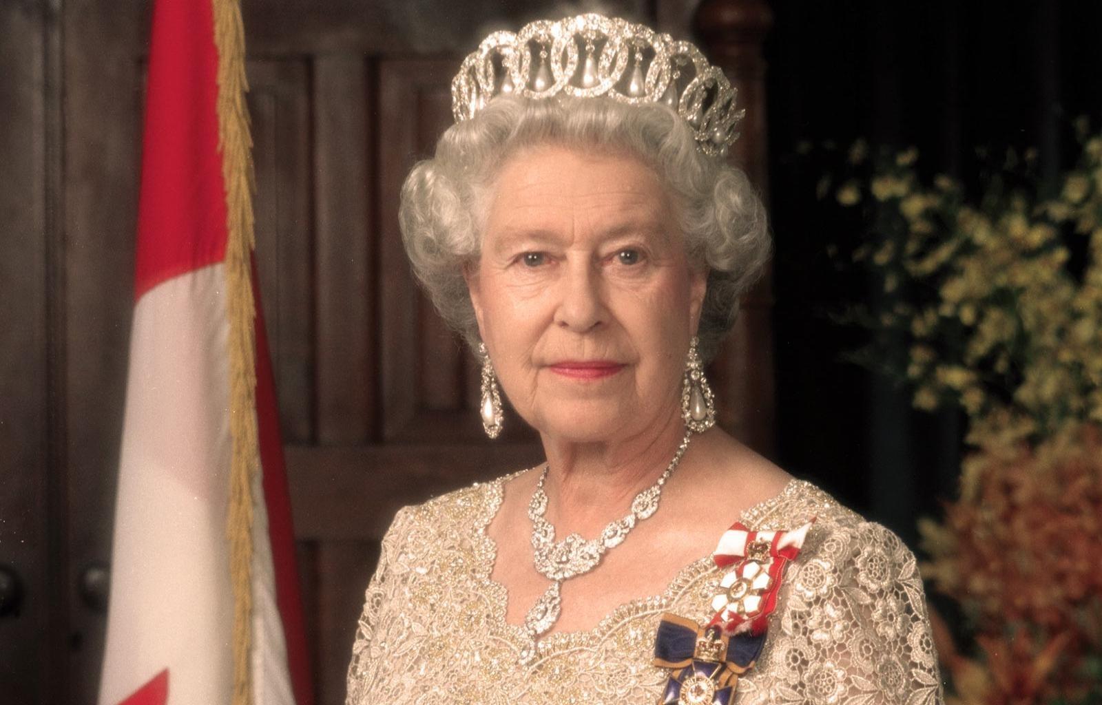 Queen Elizabeth 2 Ii Wallpapers Hd For Desktop Backgrounds