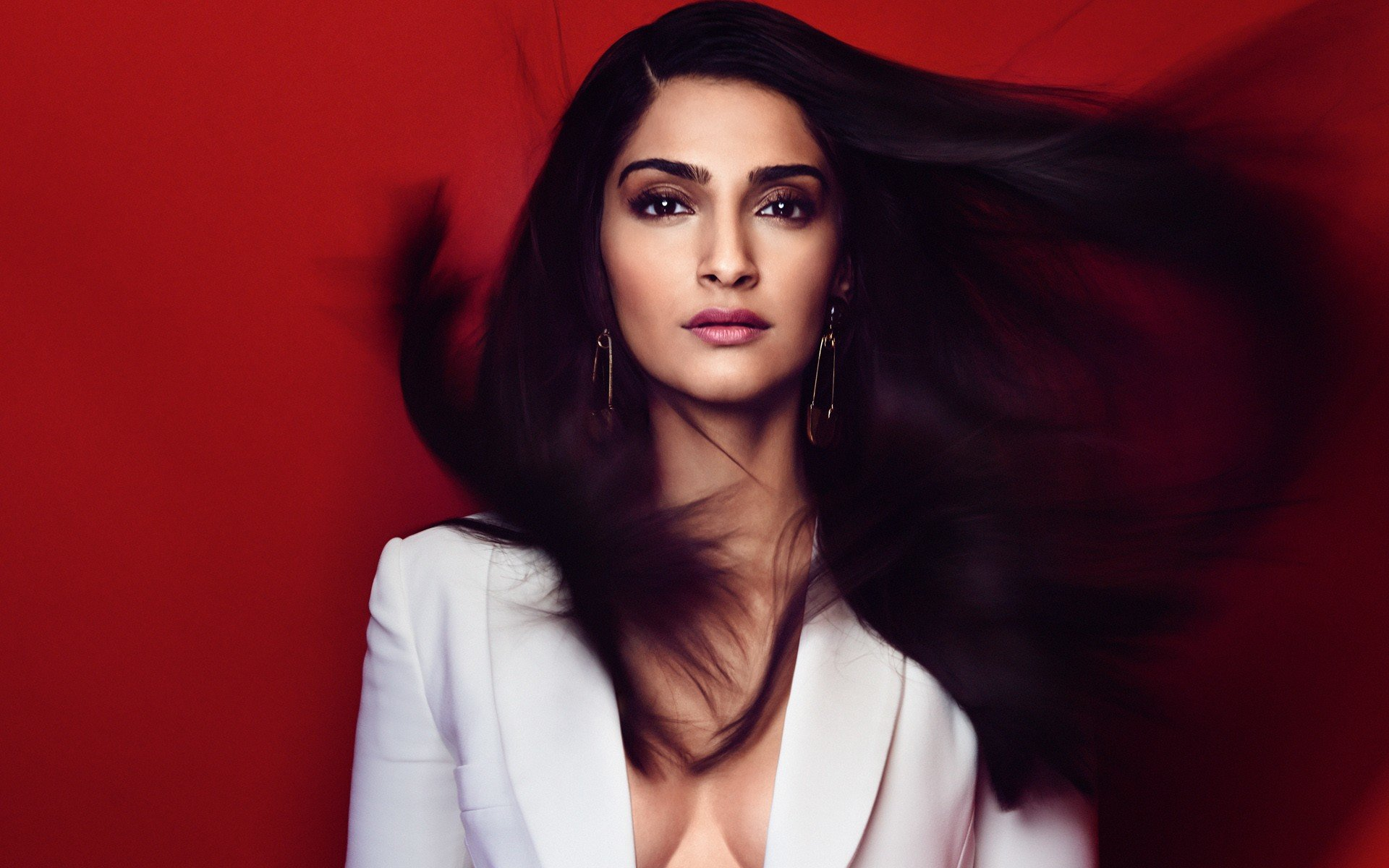 Download hd 1920x1200 Sonam Kapoor computer background ID:429933 for free