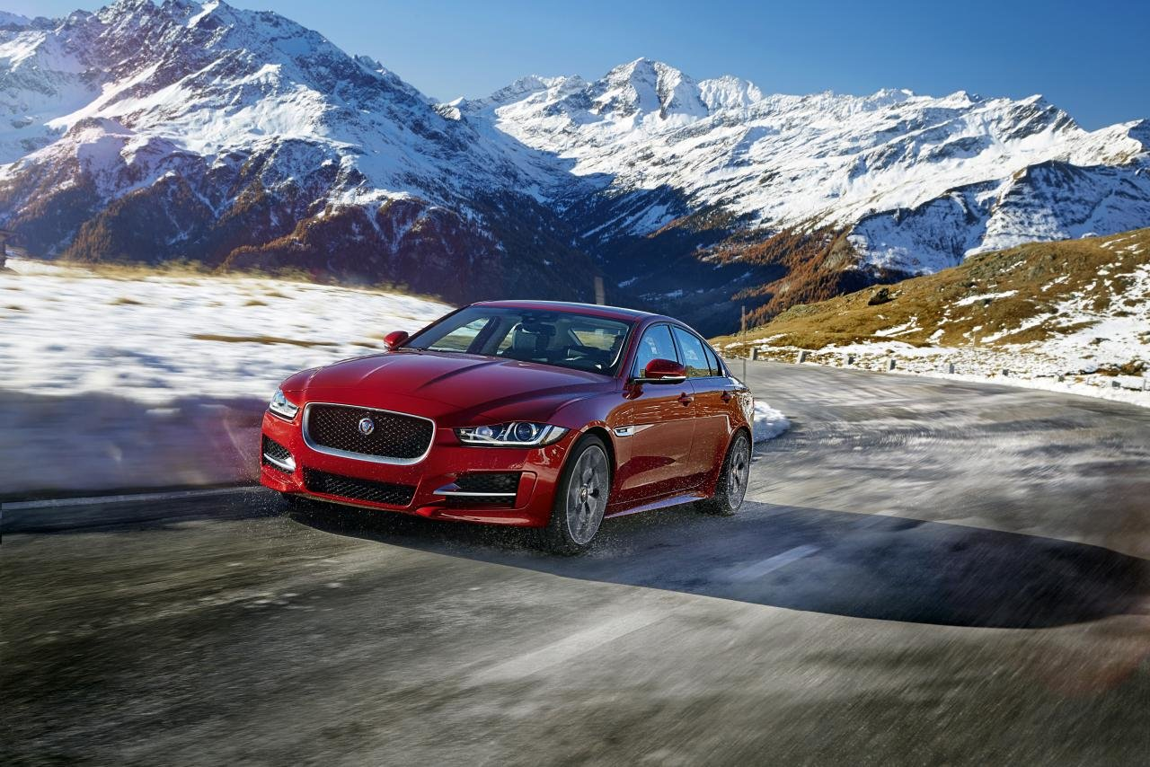 Jaguar Xe Wallpapers Hd For Desktop Backgrounds